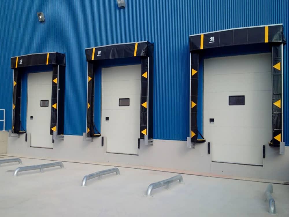 Puertas industriales y sistemas de carga en Lidl