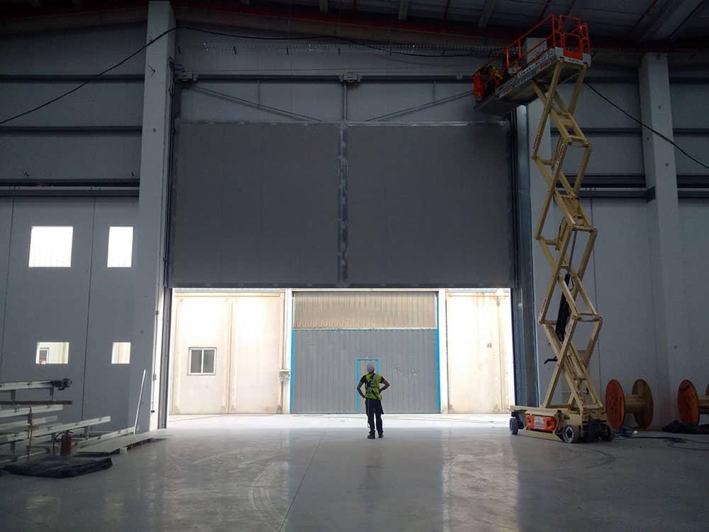 Puertas industriales para SRG Global