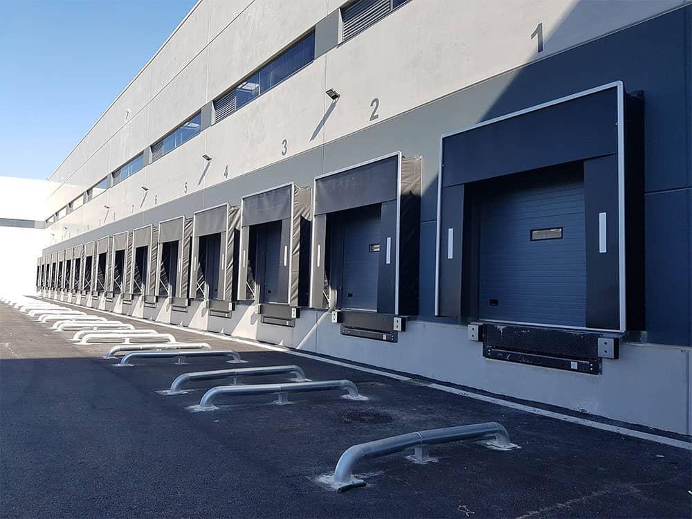 Sistemas de carga y puertas industriales en Nave logística Ribarroja